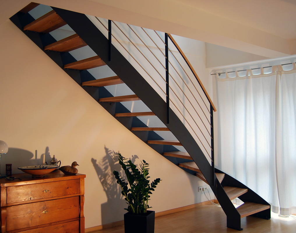 treppe grimmstra e stahlblau. Black Bedroom Furniture Sets. Home Design Ideas